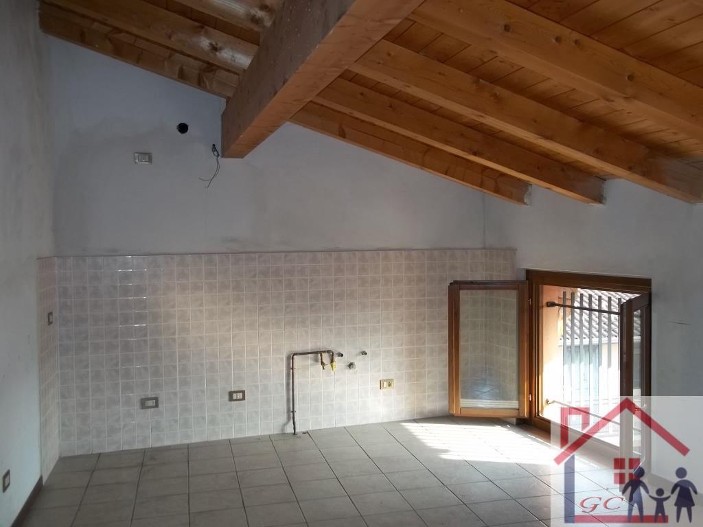 Vendita Mansarda Appartamento Cislago 24535