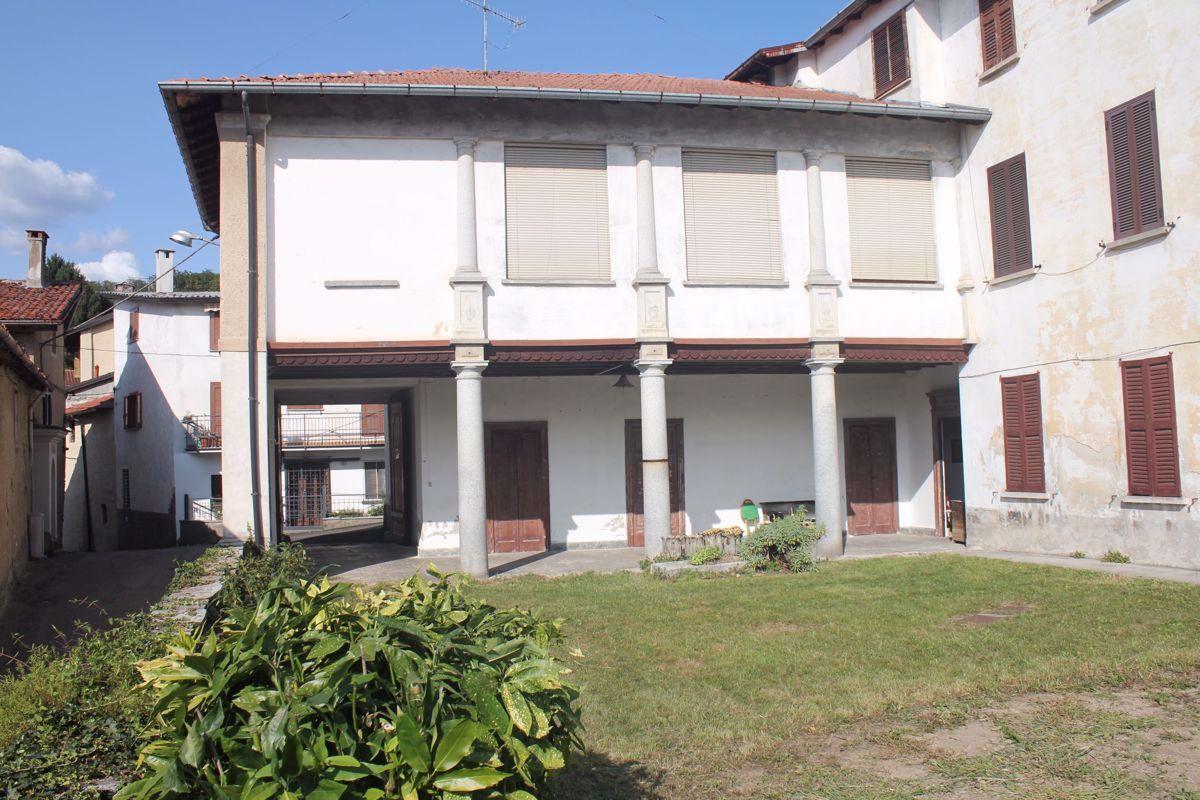 Vendita 5 Locali Appartamento Cocquio-Trevisago Contrada San Bernardo, 2 299327