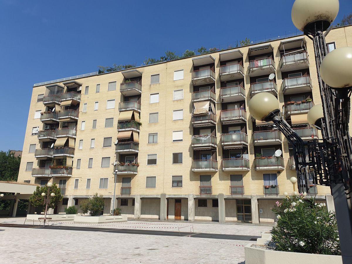 Vendita Trilocale Appartamento Cesano Boscone Via Salici, 7 291703