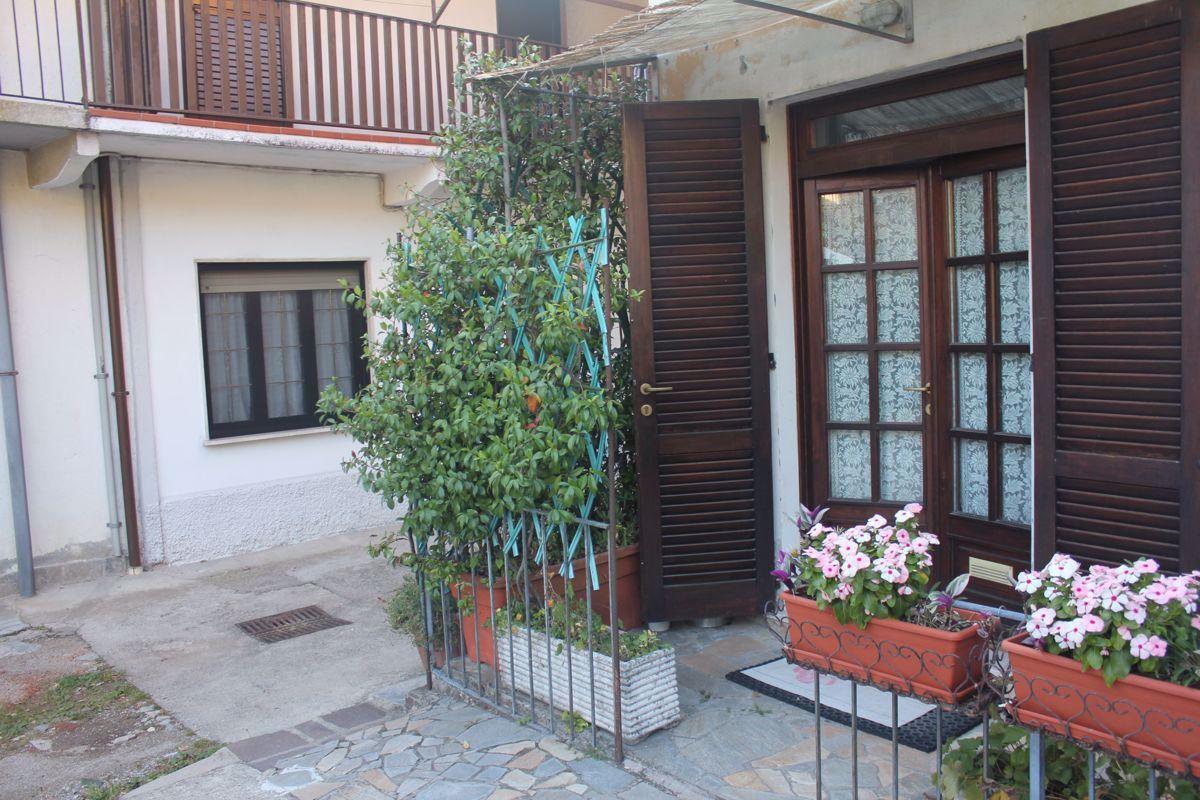 Vendita Trilocale Appartamento Cocquio-Trevisago Contrada San Bartolomeo, 2 295418