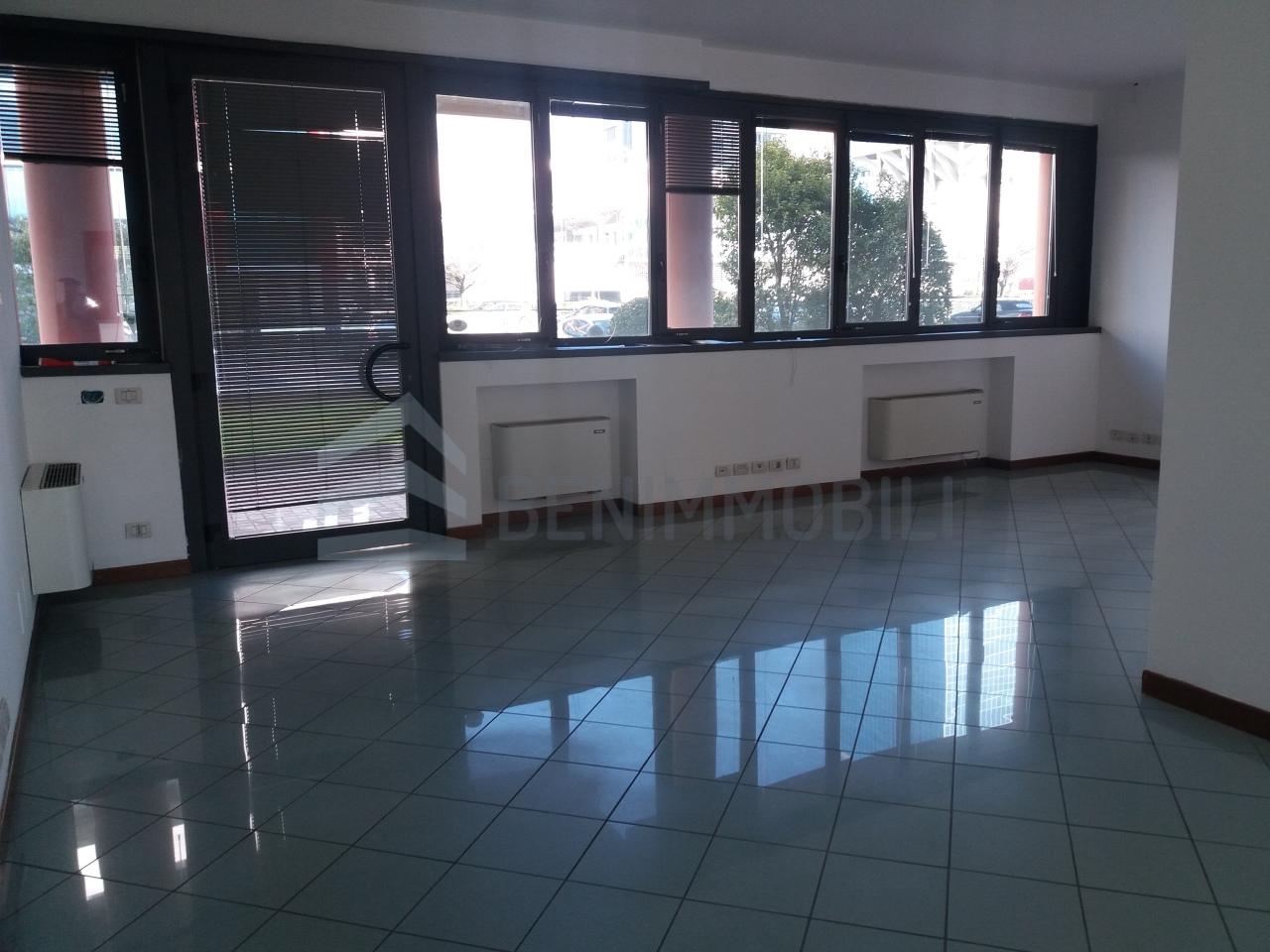 Uffici In Affitto A Brescia Casaspeciale It