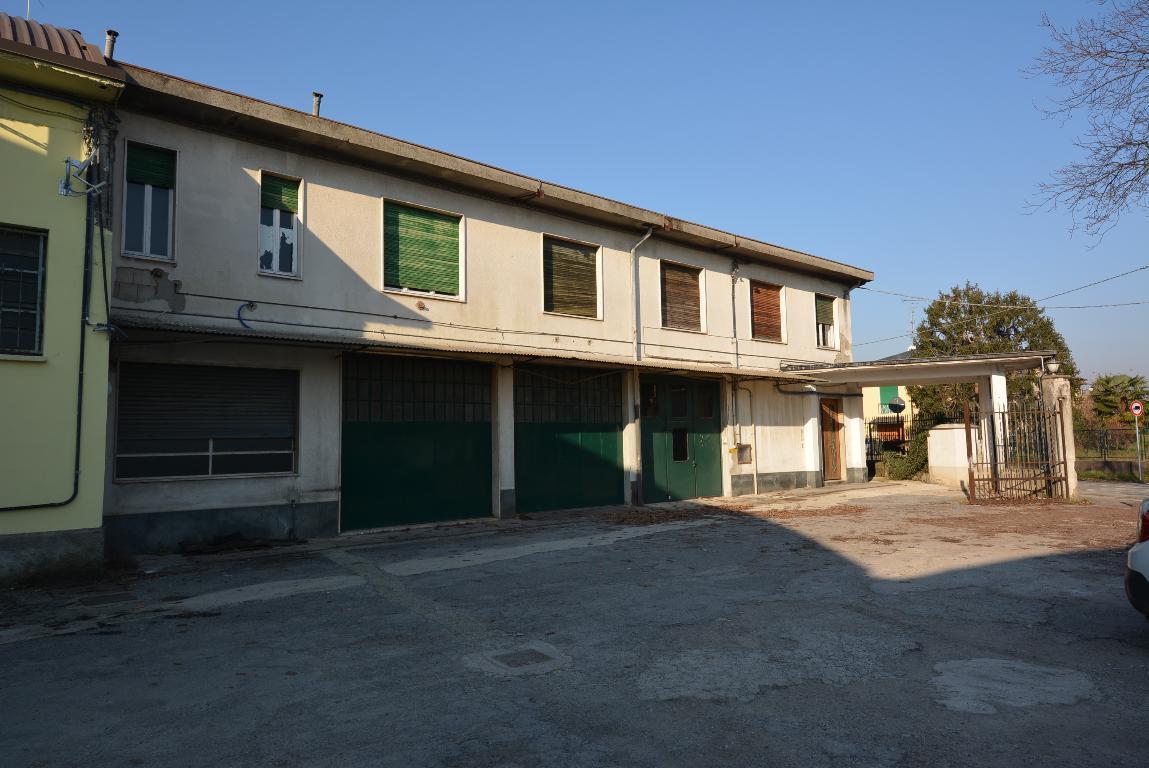 Vendita Magazzino Commerciale/Industriale Lomagna Via Verdi 7 102153