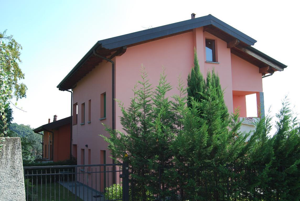 Vendita Quadrilocale Appartamento Lomagna Via Diaz 6 23405