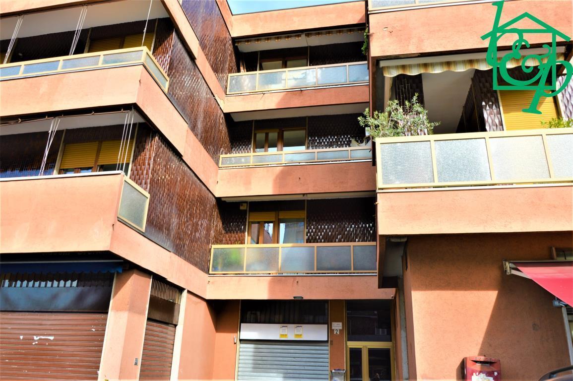 Laboratorio in vendita a Monza, Via Cellini, rif.233, n°72379