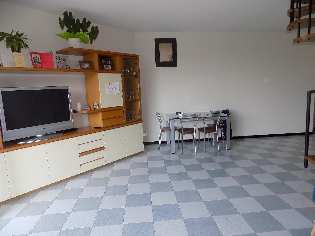 Vendita Quadrilocale Appartamento Civate via belvedere 202172