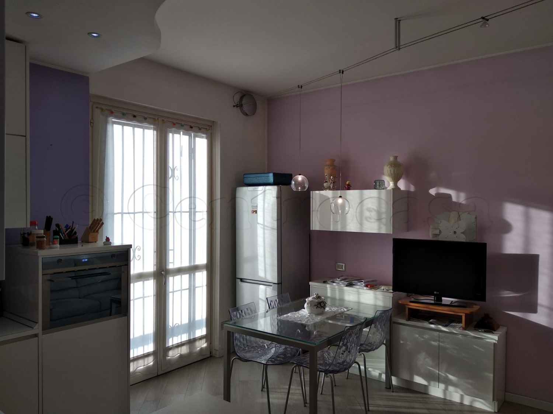 Vendita Bilocale Appartamento Magenta Via Rossini 264201
