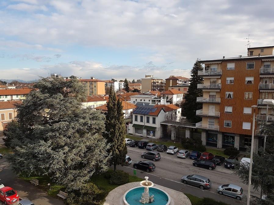 Vendita Bilocale Appartamento Magenta Via Leopardi 254392