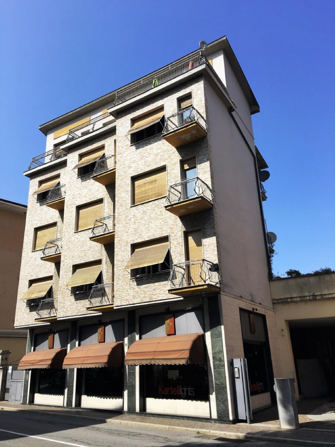 Vendita Quadrilocale Appartamento Luino piazza risorgimento 77304