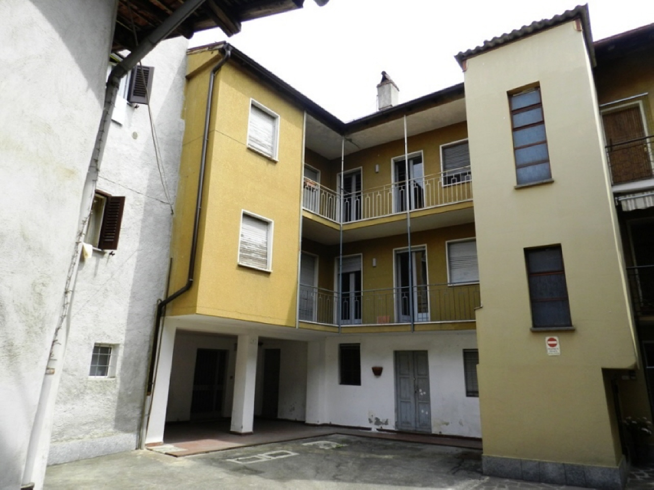 Vendita Villetta Bifamiliare Casa/Villa Luino via sentirolo 77340
