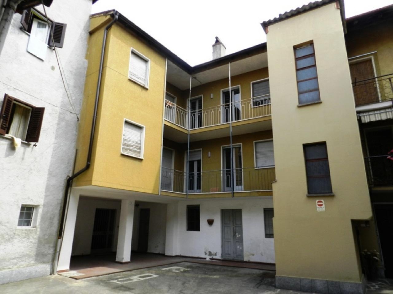 Vendita Trilocale Appartamento Luino 150052